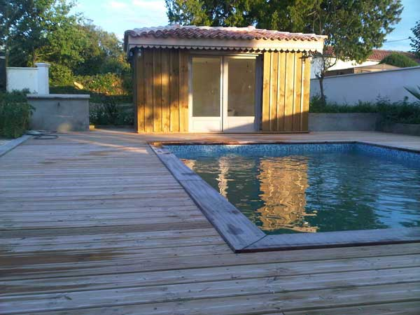 Piscine haillan abon construction for Construction pool house piscine