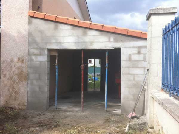 Construction d 39 un garage abon construction for Constructeur de garage en parpaing